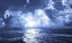 fish-in-the-ocean-sea-lightning-492665